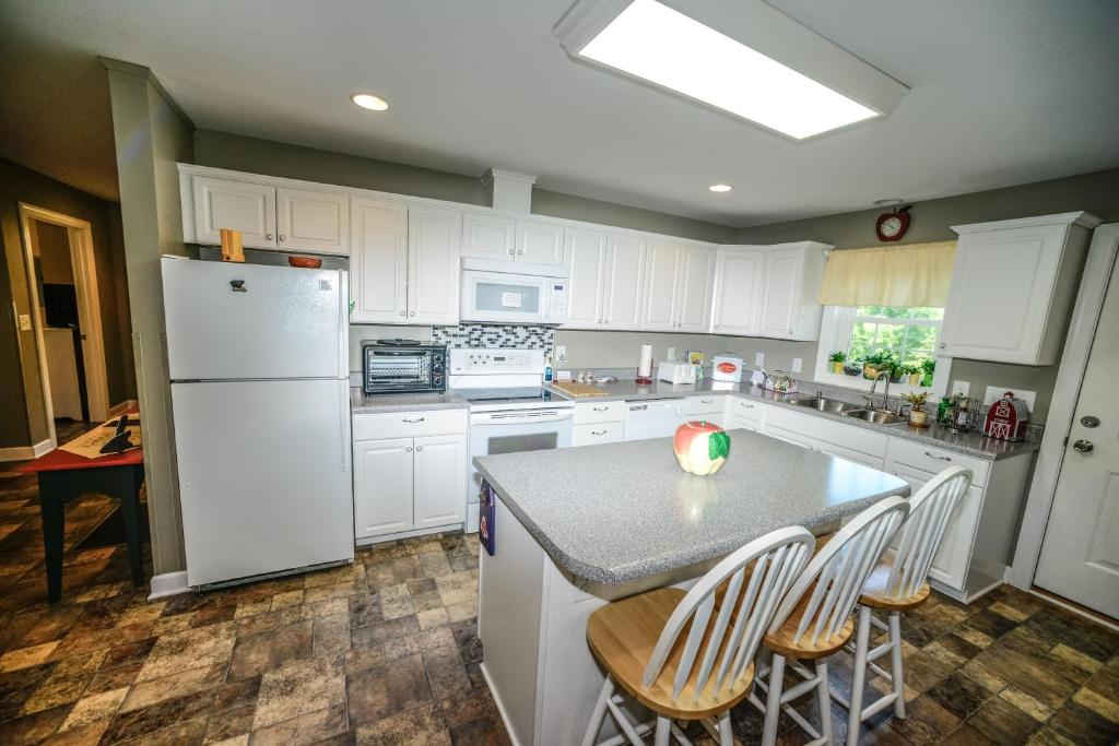 Ivyann S Cozy Cottage Asheville Lake Lure Nc Updated 2021 Prices