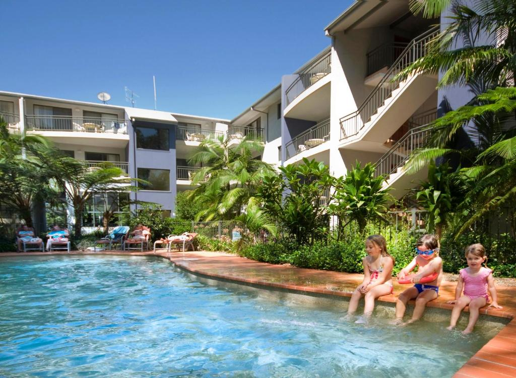 The swimming pool at or near Flynns Beach Resort