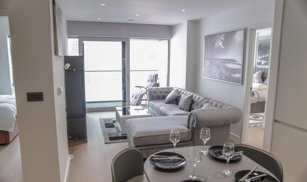 EXCLUSIVE O2 GREENWICH APARTMENTS