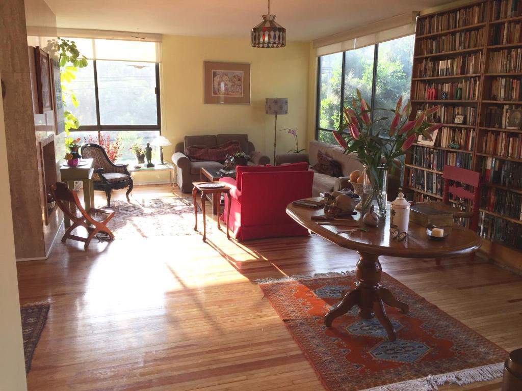 Big,sunny, 2-3 apartment in best location