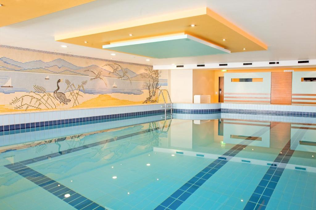 The swimming pool at or close to Hotel Lyskirchen