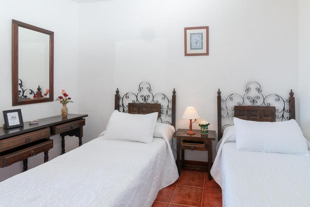 Residencial Los Castellanos - Laterooms