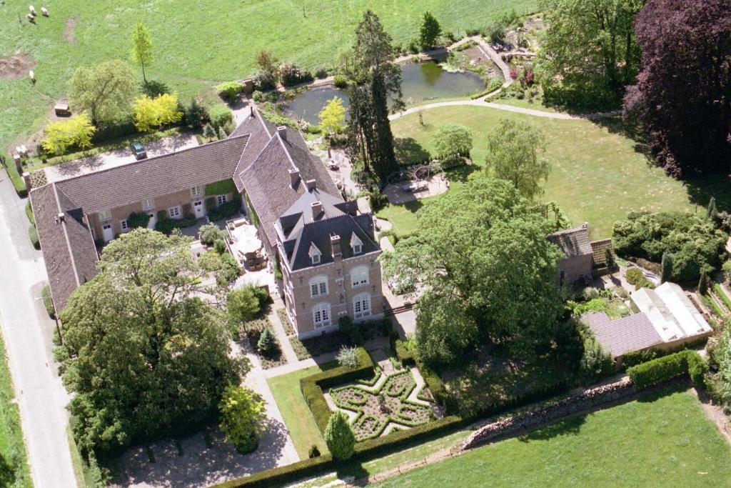 Een luchtfoto van B&B De Heerlijkheid Satenbergh
