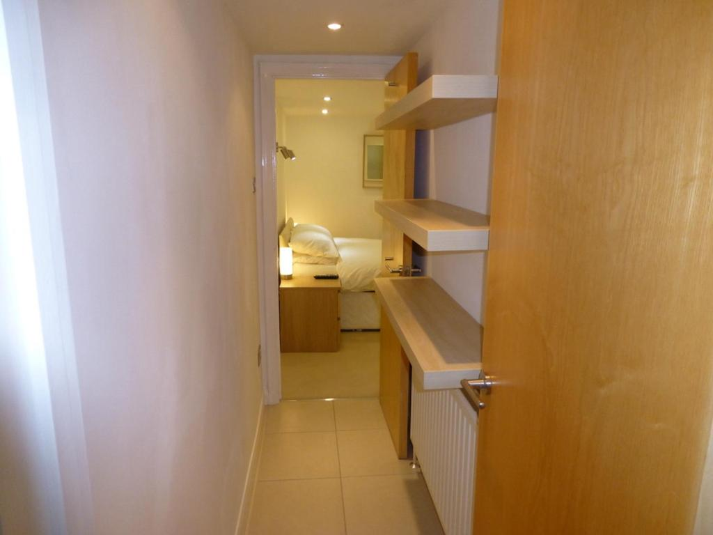 Earle House Serviced Apartments - Laterooms