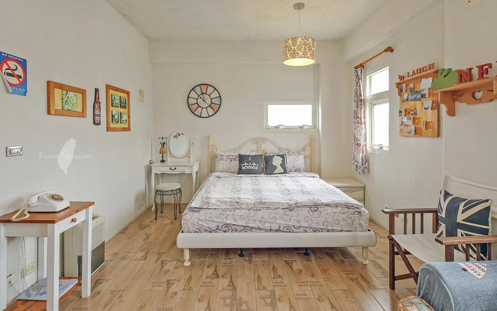 蕾米斯莊園房間的床
