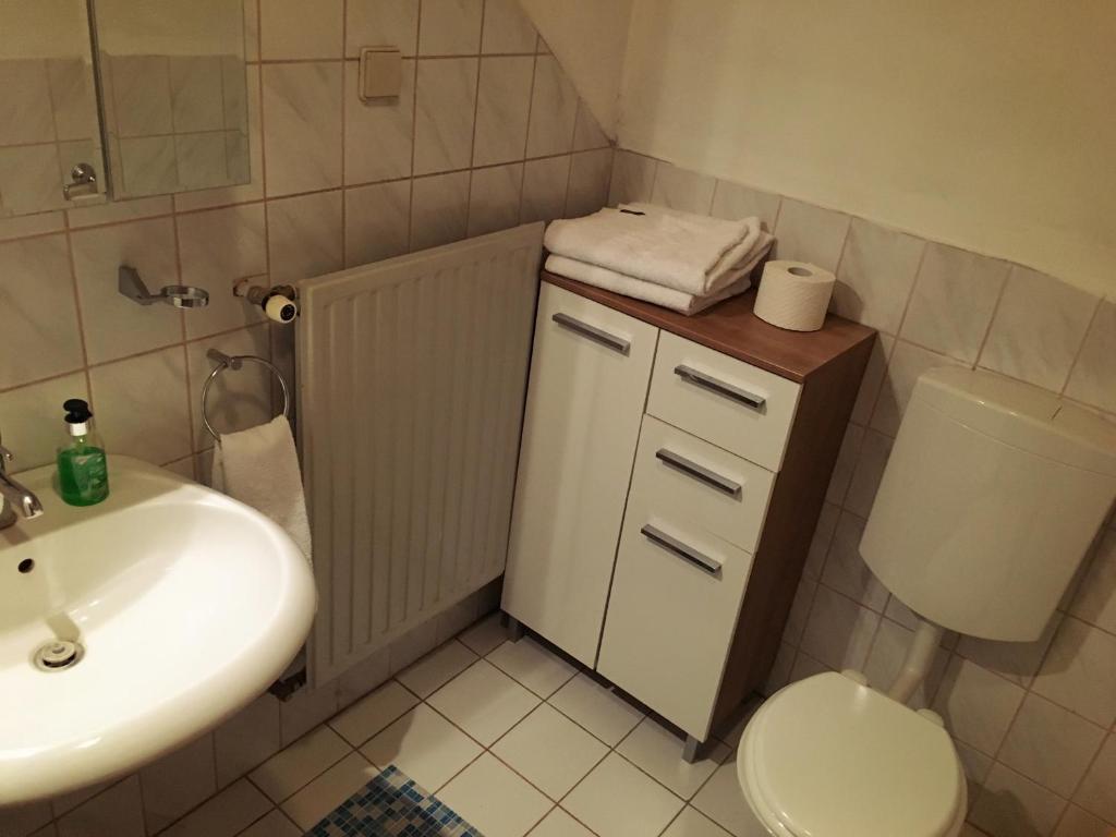 A bathroom at Cria Valley Alpacas