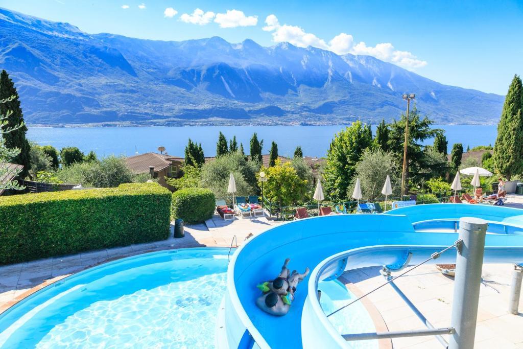 The swimming pool at or near Hotel Leonardo Da Vinci