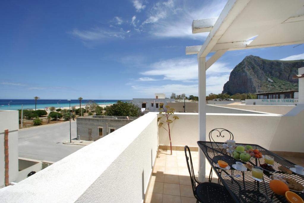 A balcony or terrace at Casa Venere