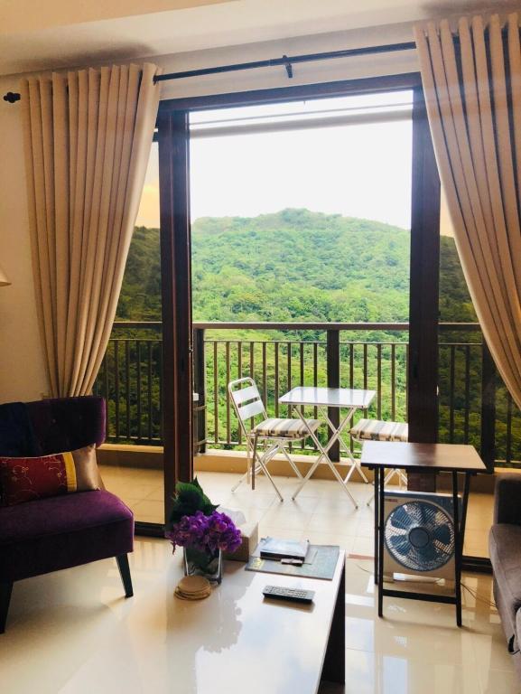Highlife Highlands living in Tagaytay with Verandah