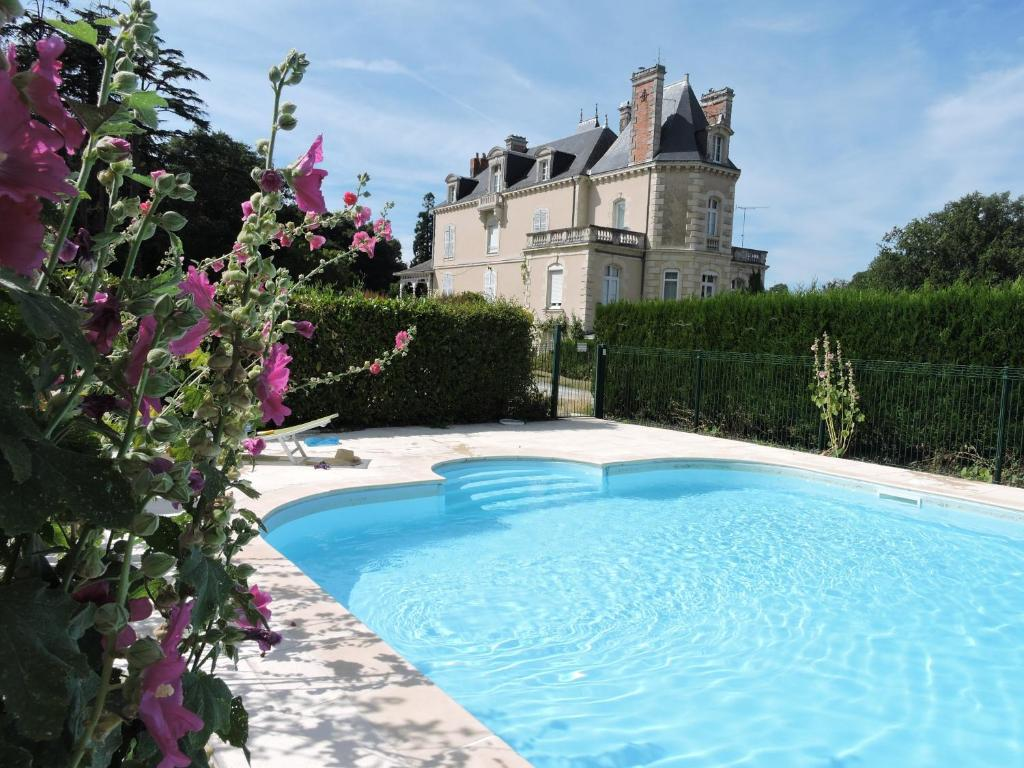 The swimming pool at or close to Chateau Vary