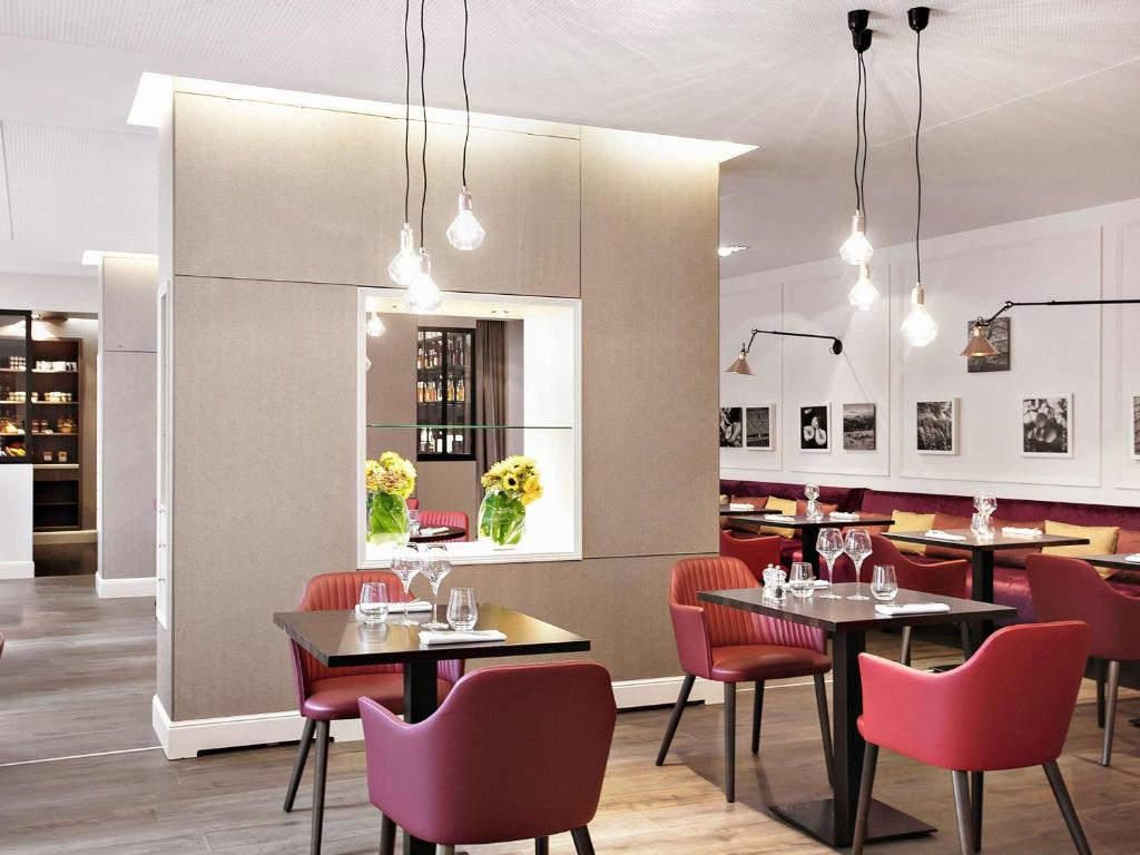 A restaurant or other place to eat at Sofitel Strasbourg Grande Ile