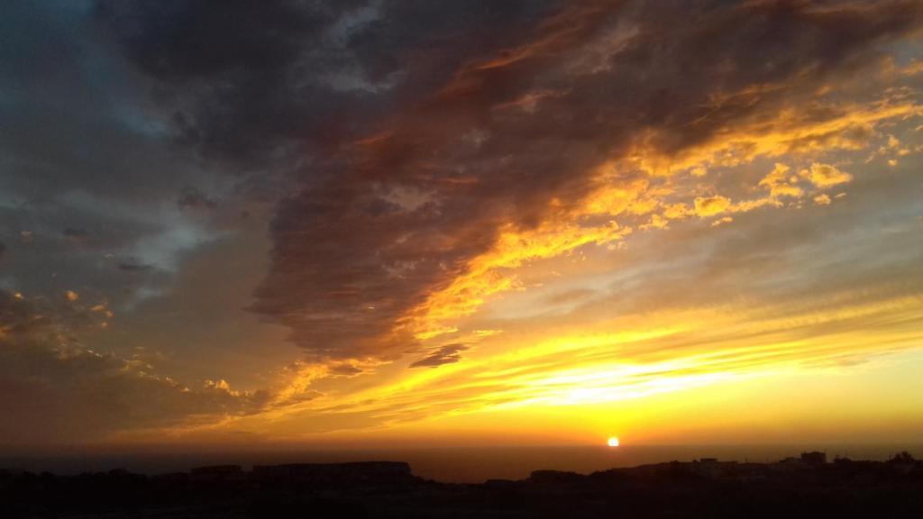 Sunset View Retreat