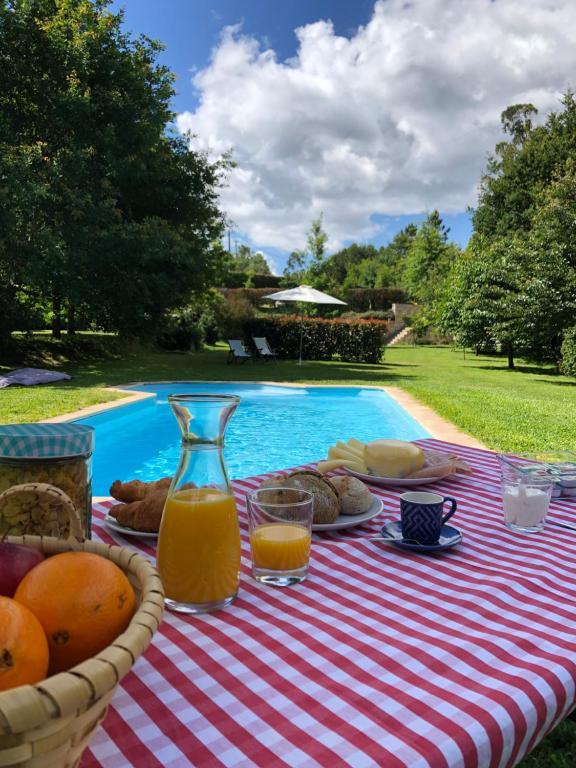 A piscina em ou perto de Quinta Lamosa Agroturismo