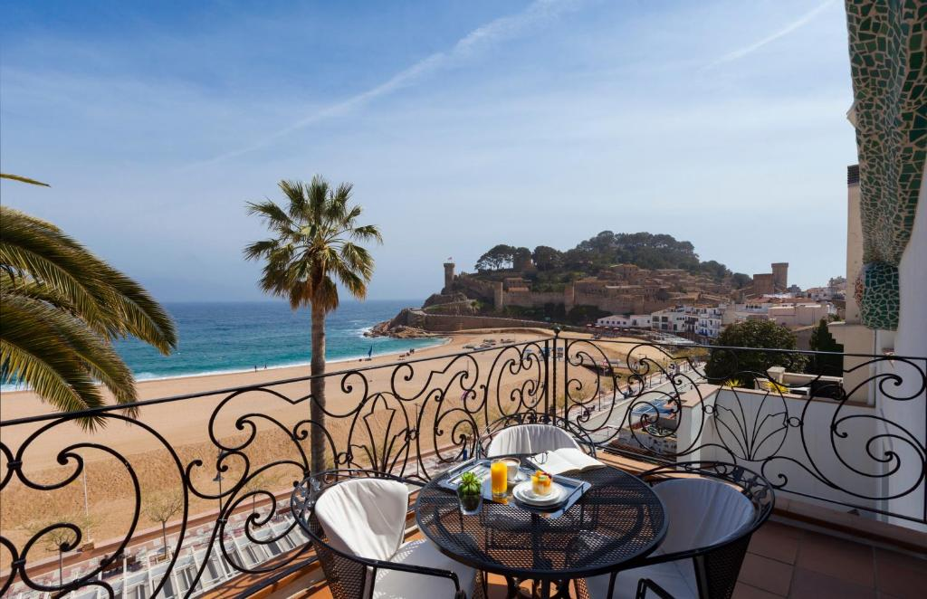 hoteles con encanto en tossa de mar  8