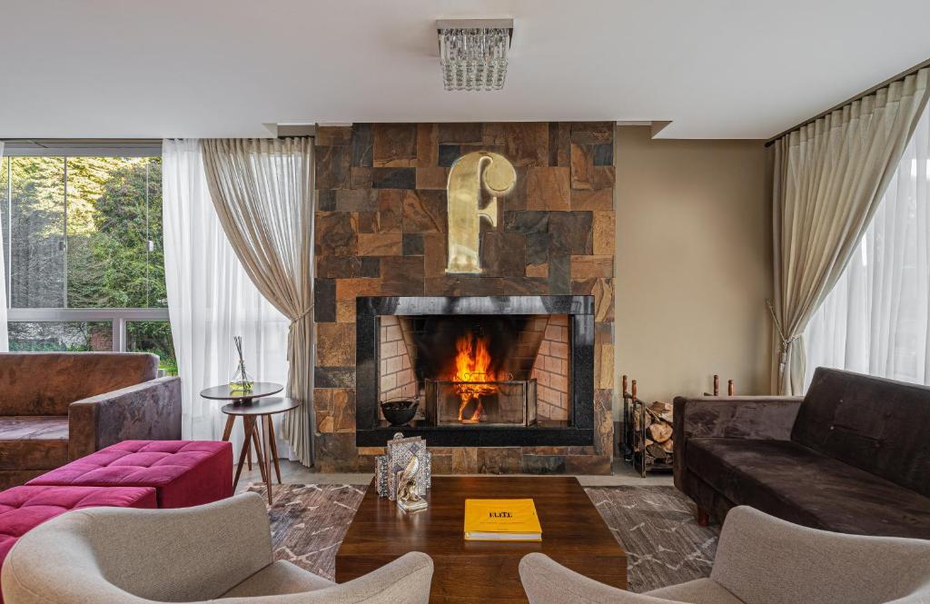 A seating area at Hotel Fioreze Primo