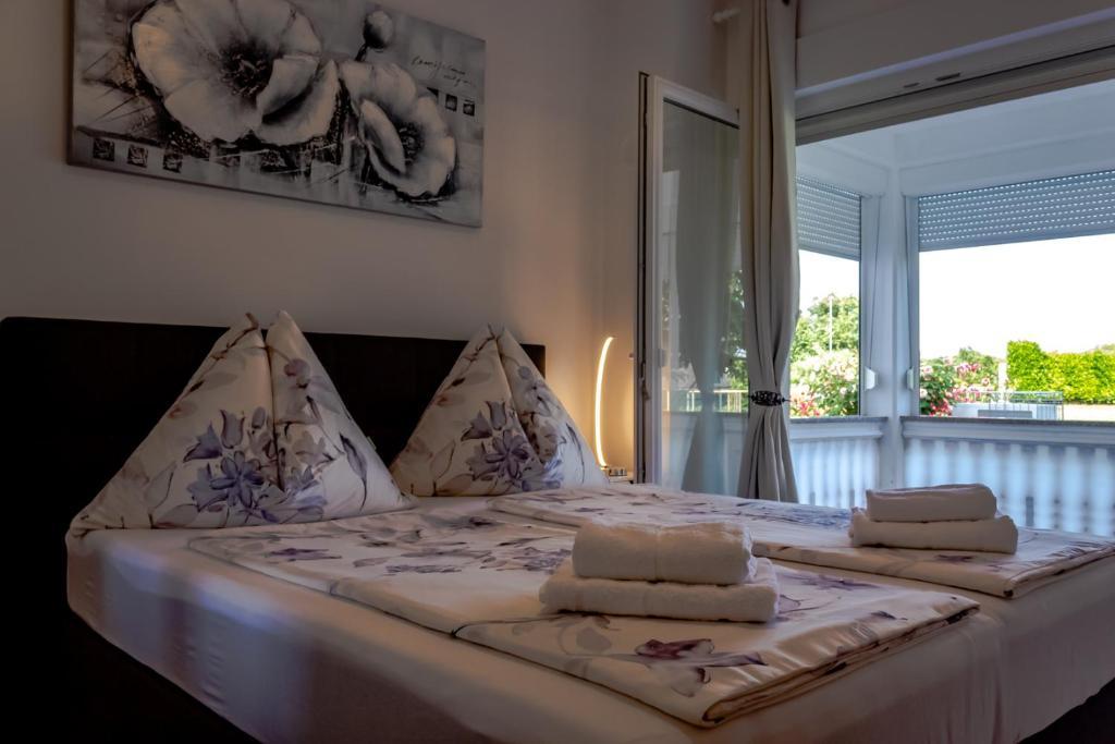 Kaja Apartments
