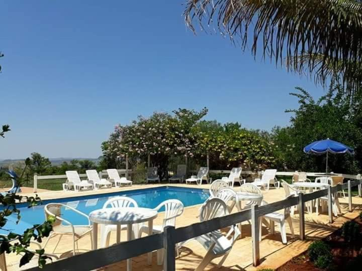 The swimming pool at or close to POUSADA SERRA DA CANASTRA