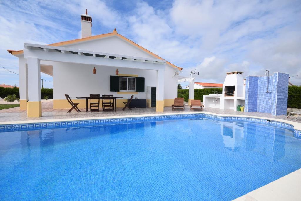 Villa Urbanização Vale da Telha, Aljezur, Portugal - Booking.com