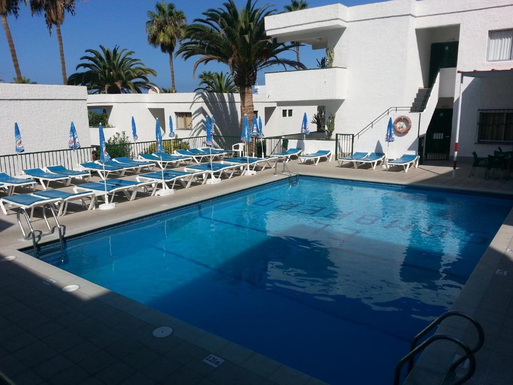 Het zwembad bij of vlak bij Apartamentos El Sombrero