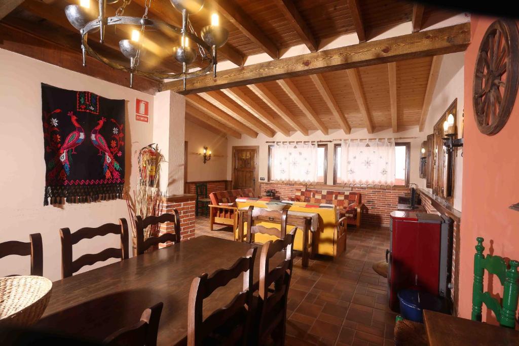 Un restaurante o sitio para comer en La Casa del Abuelo Simón