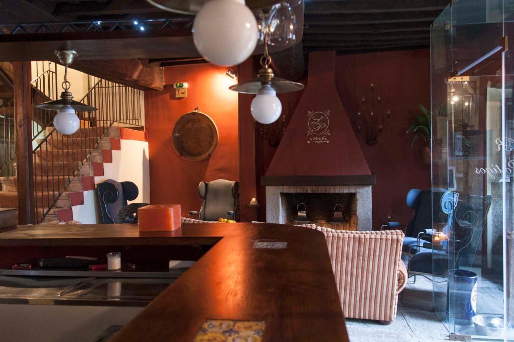 """El vestíbulo o zona de recepción de Casa Rural con encanto """"Los Postigos"""""""