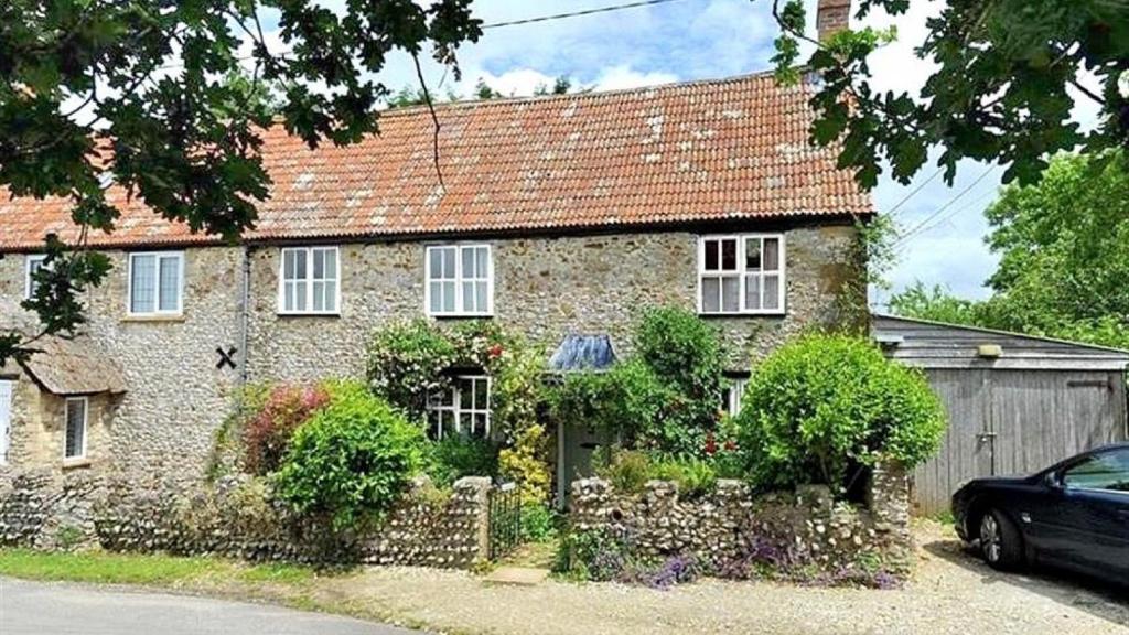 Tillworth Cottage
