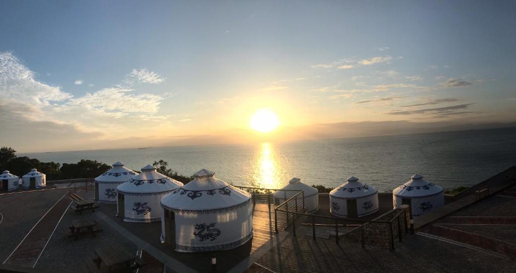 the luxury tent或附近地點的日出和日落景觀