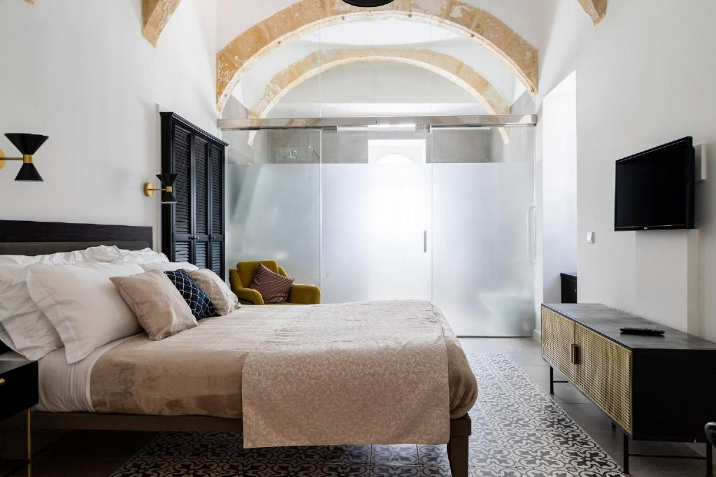 A bed or beds in a room at MYN in Rabat