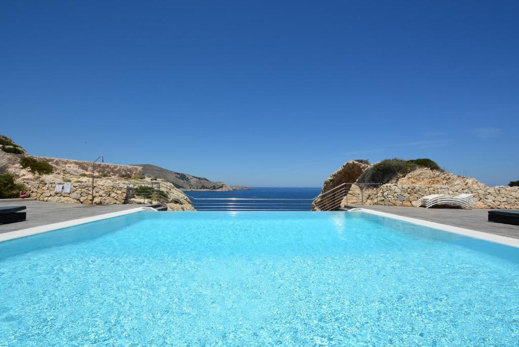 Der Swimmingpool an oder in der Nähe von Residencial Xaloc
