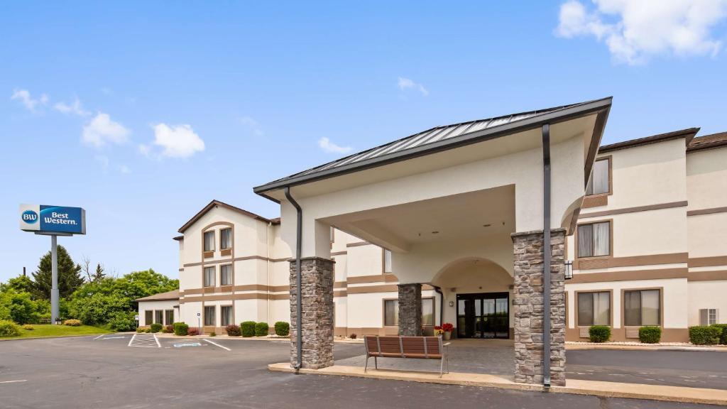 Best Western St. Clairsville Inn & Suites