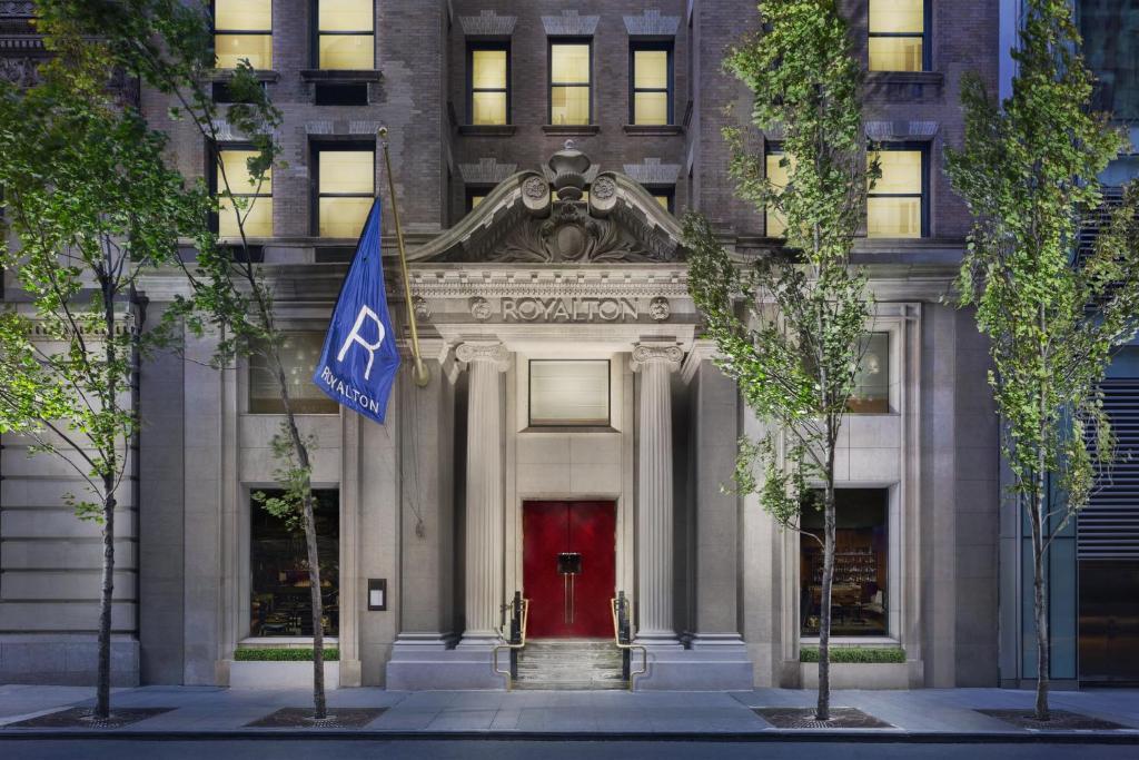 Hotel Royalton New York Usa Booking Com