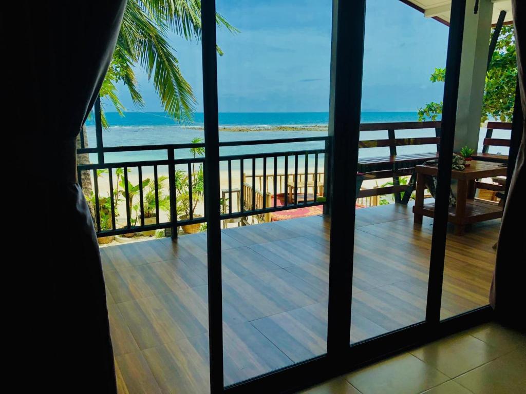 Een algemene foto of uitzicht op zee vanuit het resort