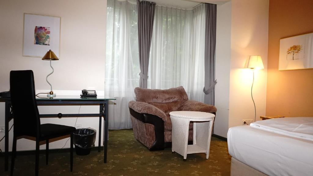 A seating area at Entrée Groß Borstel Garni Hotel