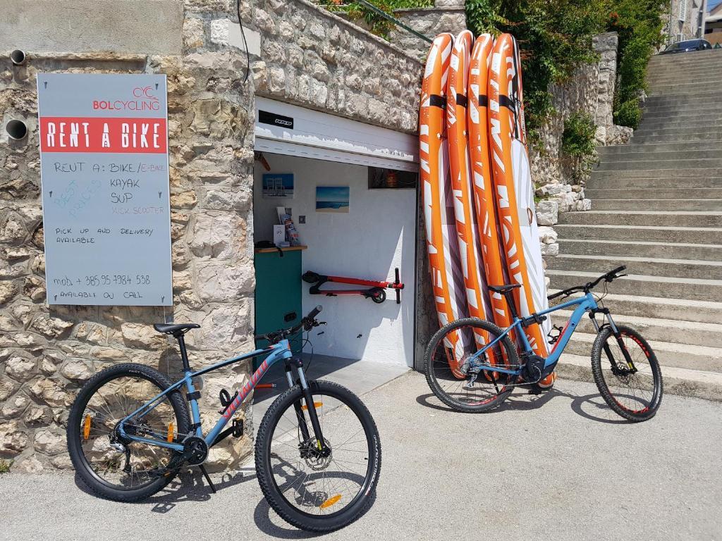 Jízda na kole v ubytování Accommodation Stella Mare nebo okolí