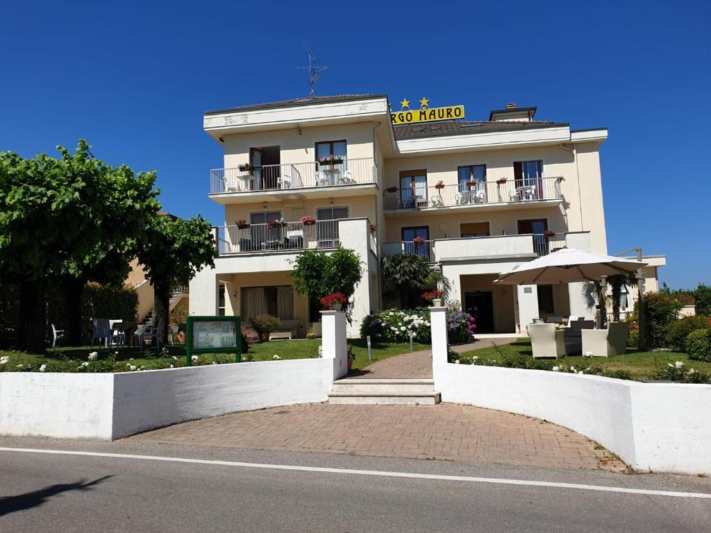 Hotel Mauro Sirmione, Italy