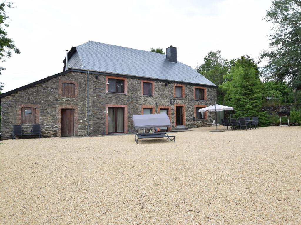 Cozy Cottage with Pool in Ardennes