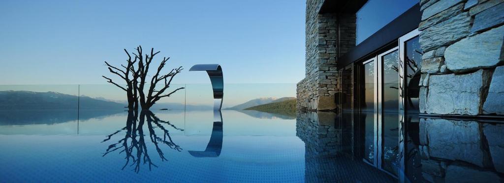 Der Swimmingpool an oder in der Nähe von Tratterhof - Mountain Sky Hotel