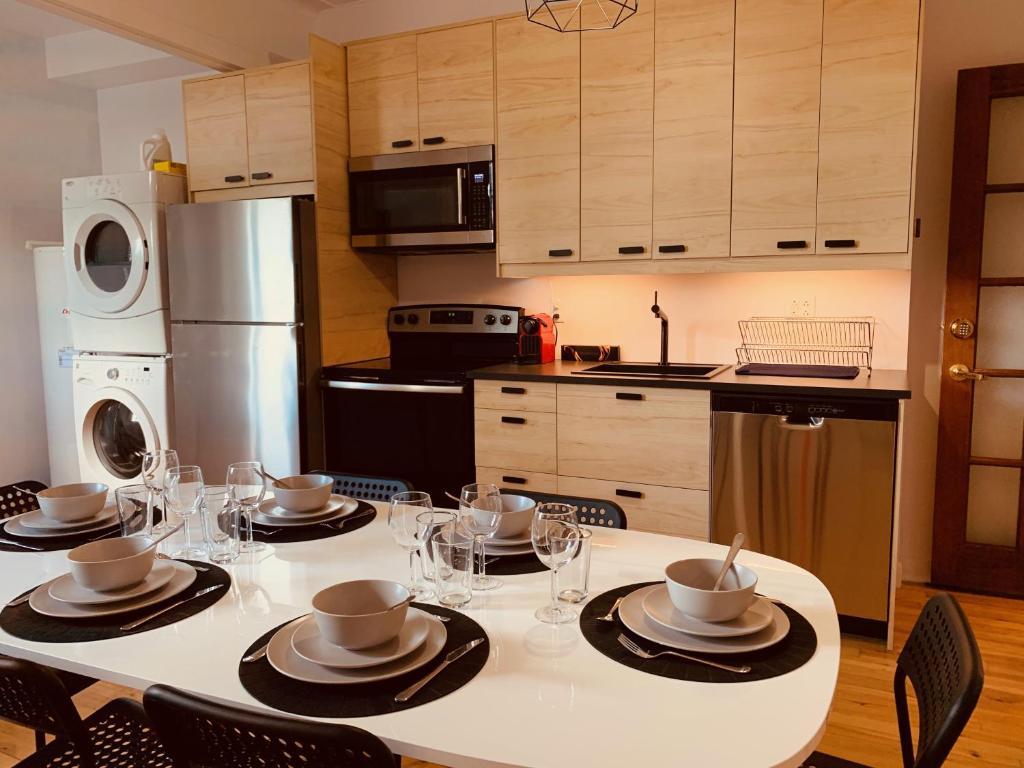 Apartments near Montreal's Metro Frontenac