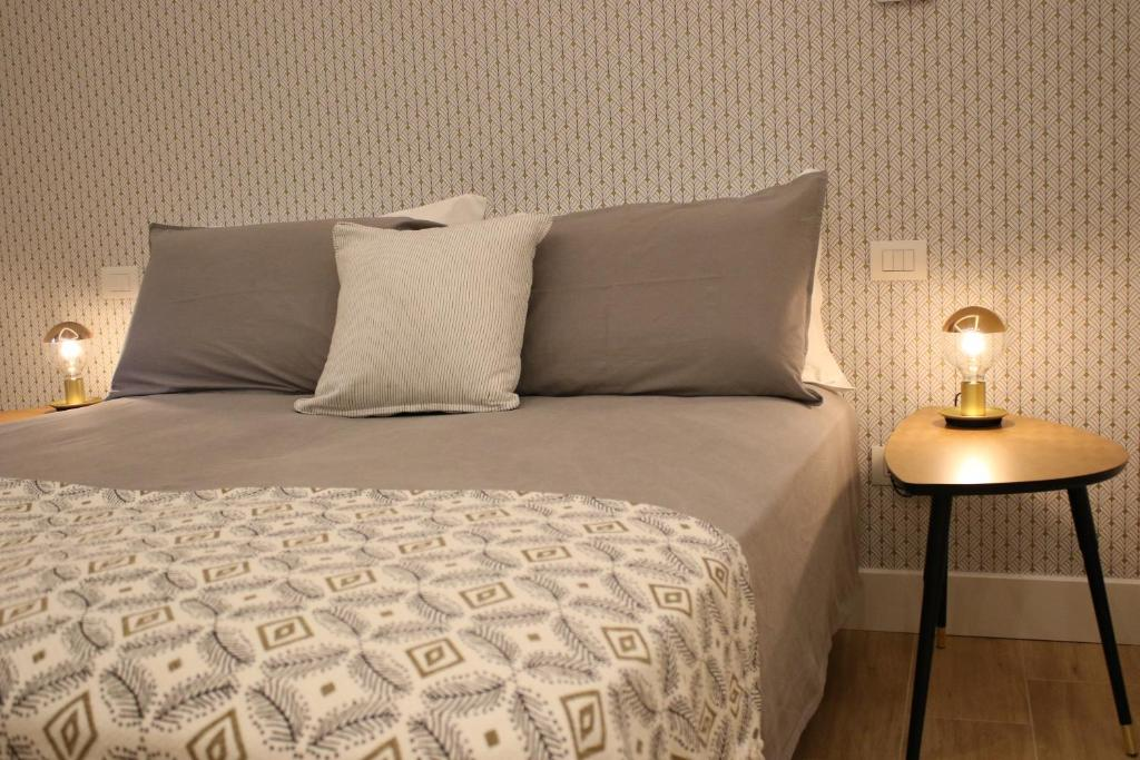 A bed or beds in a room at La Casa nel Parco