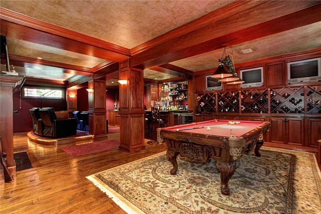 Image of luxury cabin in Lake Tahoe, California