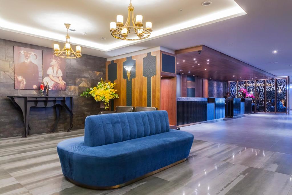 The lobby or reception area at Saint Art Hotel