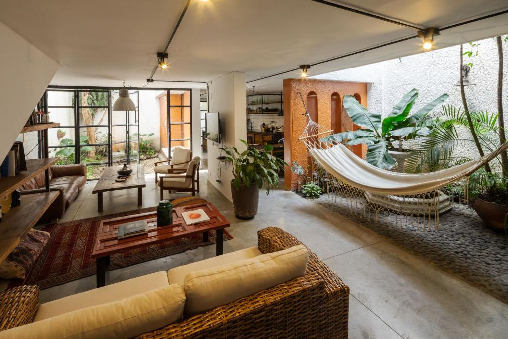 Colonial Villa In Laureles Medellin Updated 2020 Prices People found this by searching for: colonial villa in laureles medellin