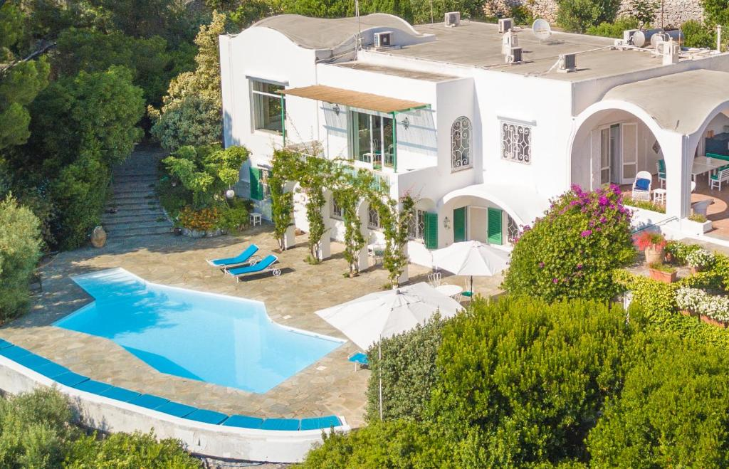 A view of the pool at Il Carrubo Capri or nearby
