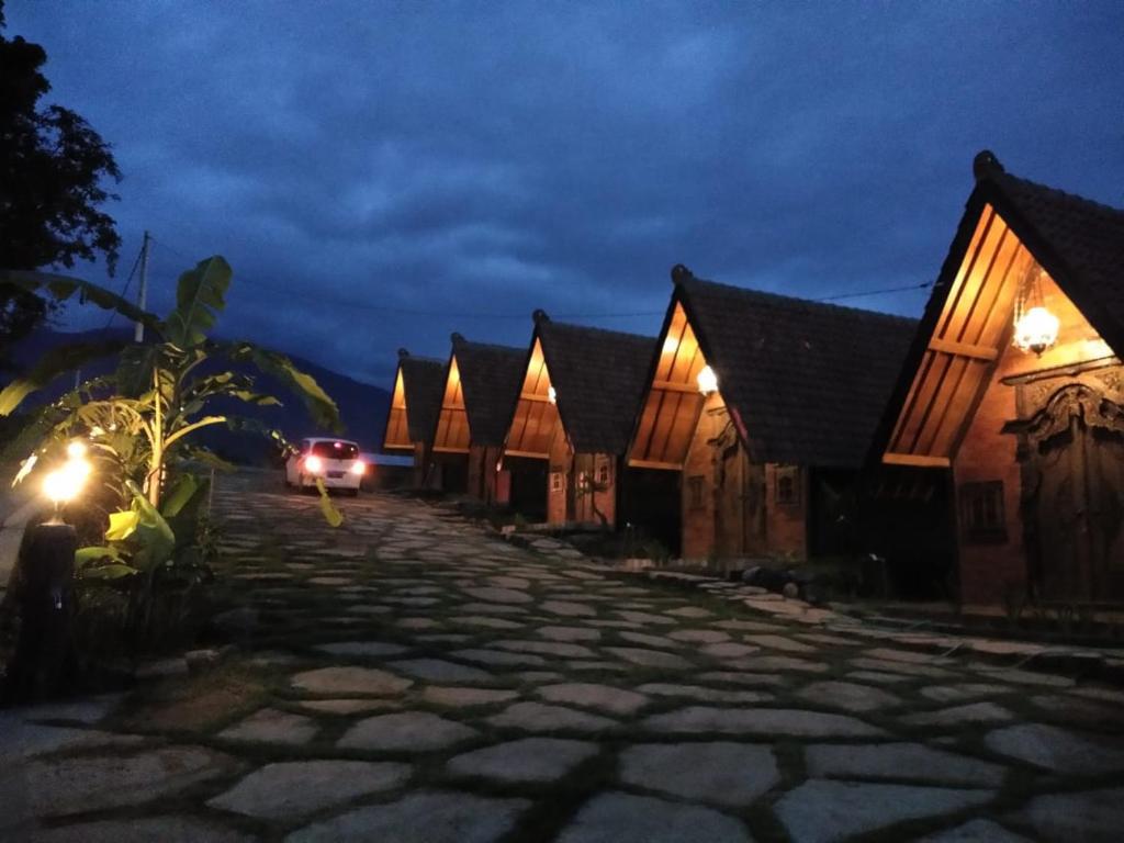 Villa Jabal Rahmah Pacet Booking Com