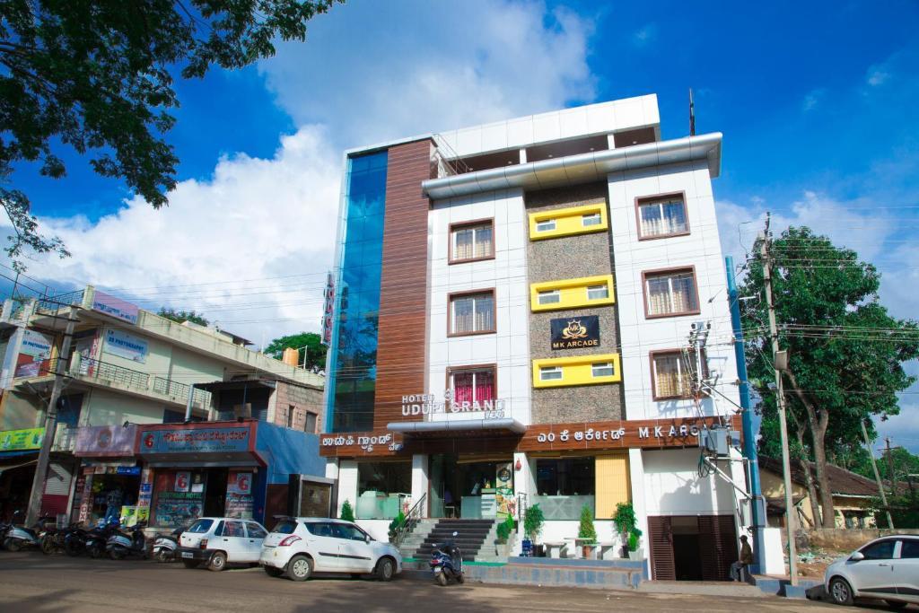 M K arcade hotel