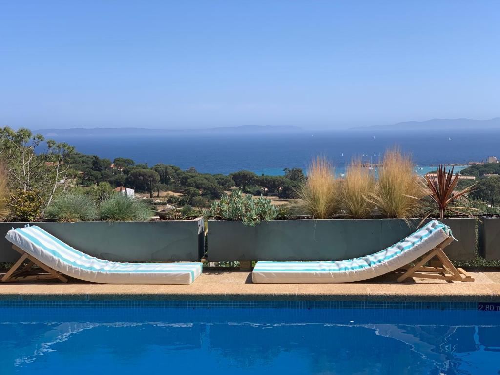 Piscine de l'établissement Villa Thalassa Art' B&B ou située à proximité