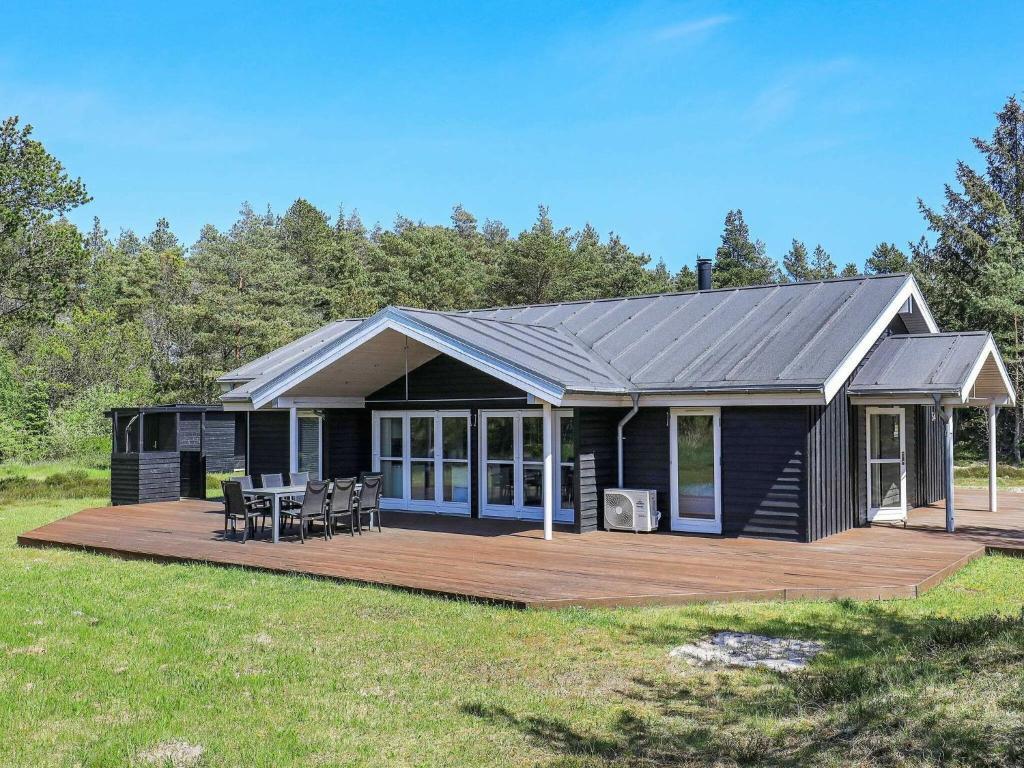 Four-Bedroom Holiday home in Ålbæk 7