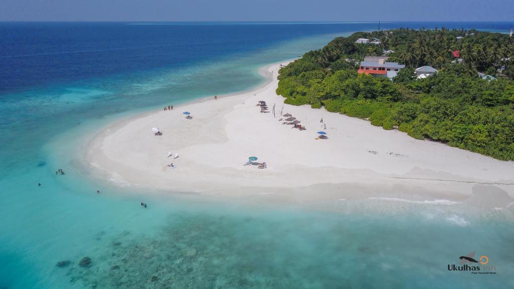 A bird's-eye view of Ukulhas Beach Inn
