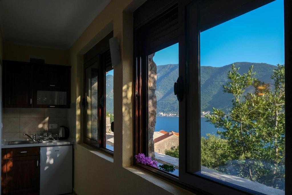 Черногория цены аппартаменты бело порто 4 купить квартиры в оаэ