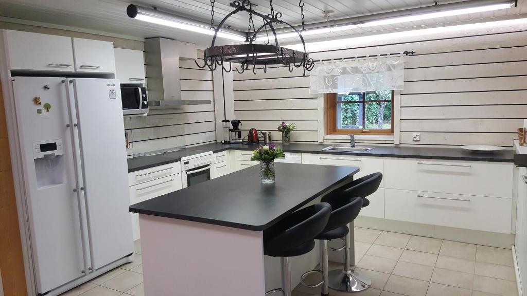 A kitchen or kitchenette at Villa Hulda